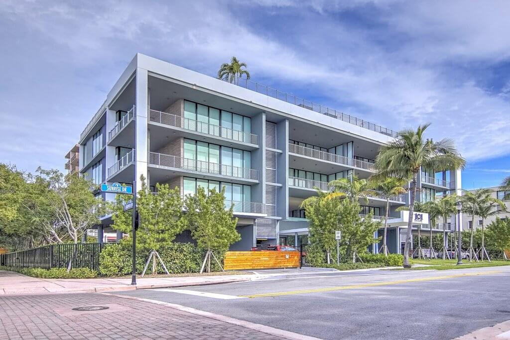 101 Sunsrise Dr, Key Biscayne, VR Tour