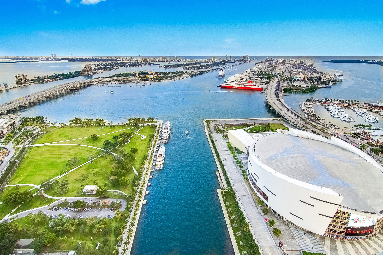 Marina Blue Downtown Miami – VR View