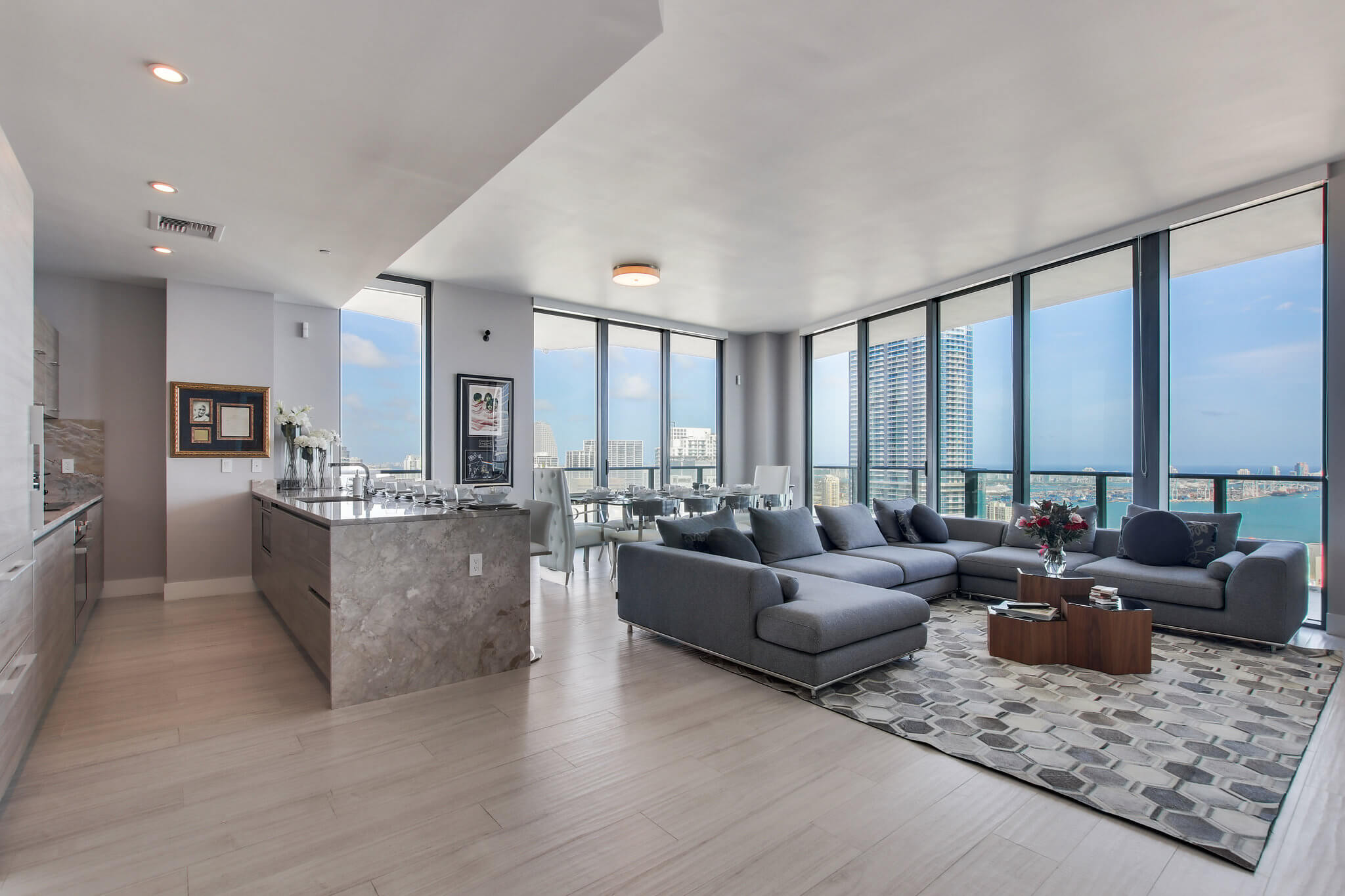 12__sls_brickell_photo_by_MiamiRealEstatePhotographers.com
