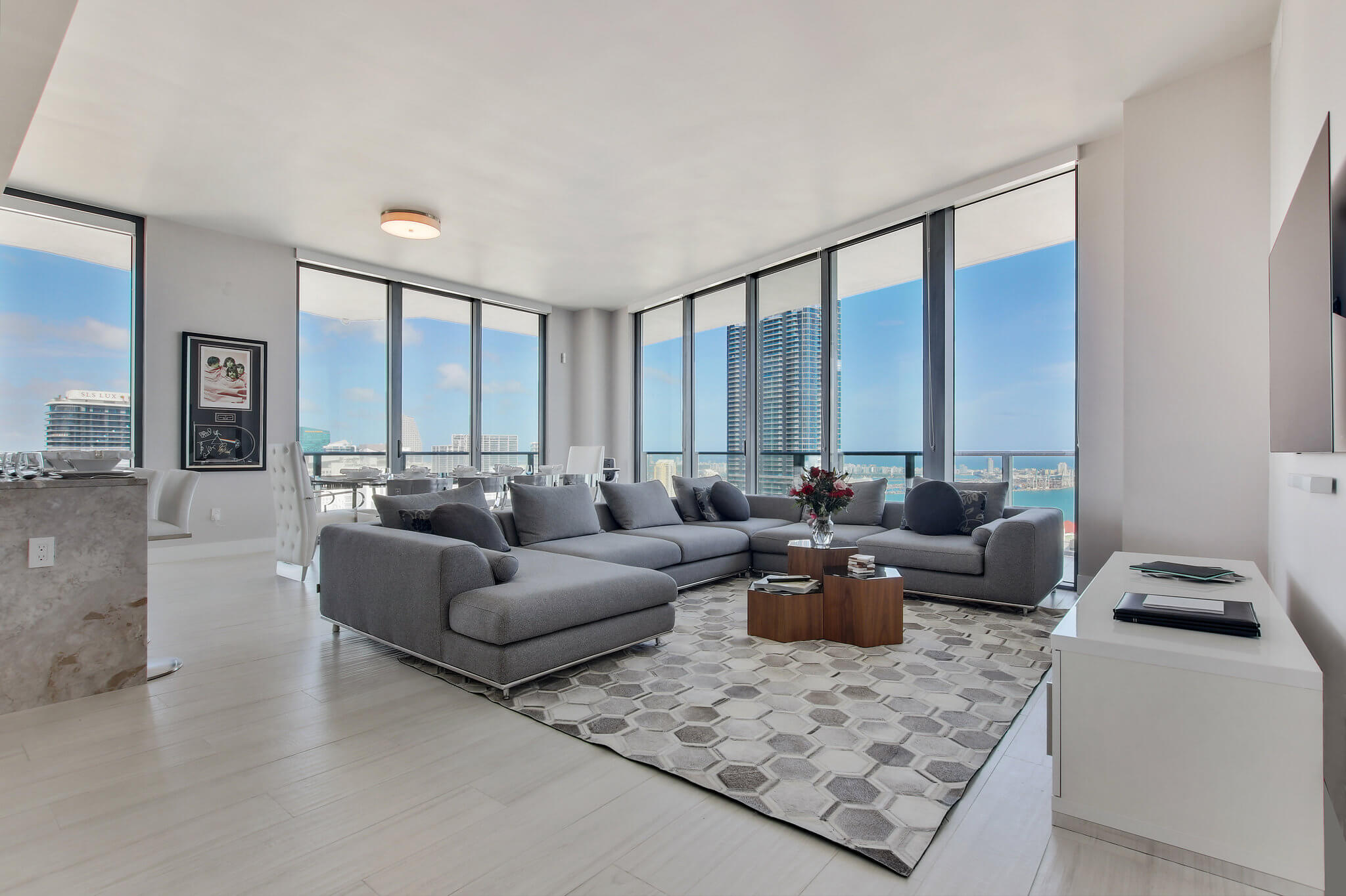 13__sls_brickell_photo_by_MiamiRealEstatePhotographers.com