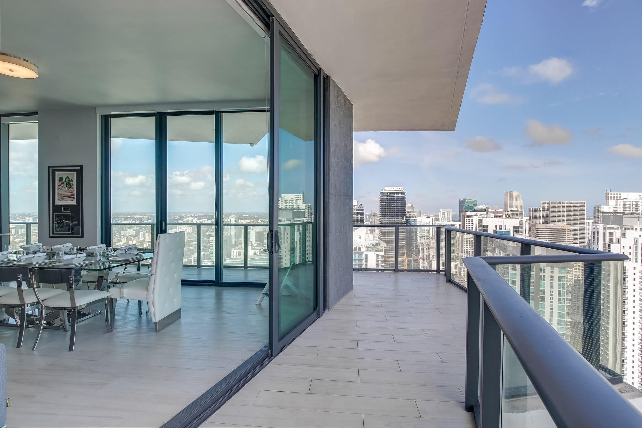 24__sls_brickell_photo_by_MiamiRealEstatePhotographers.com