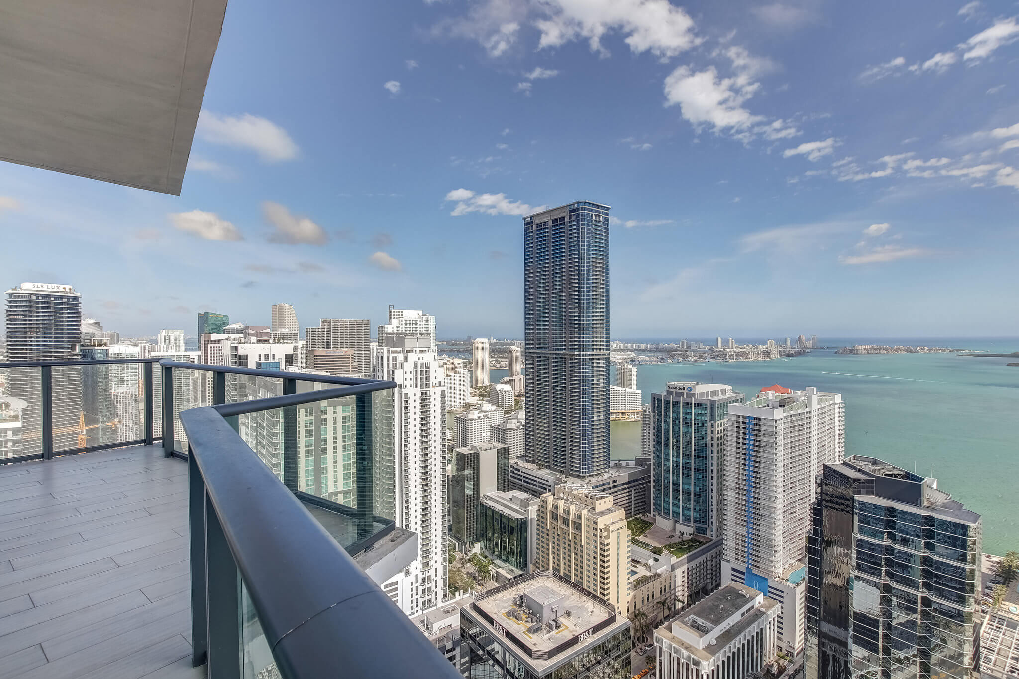 25__sls_brickell_photo_by_MiamiRealEstatePhotographers.com