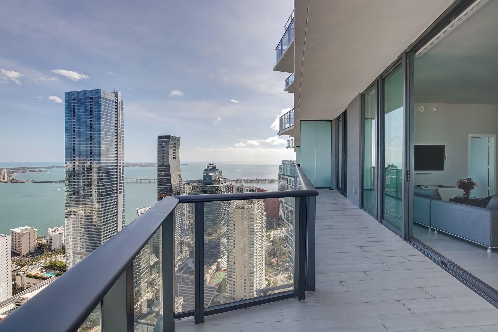 32__sls_brickell_photo_by_MiamiRealEstatePhotographers.com