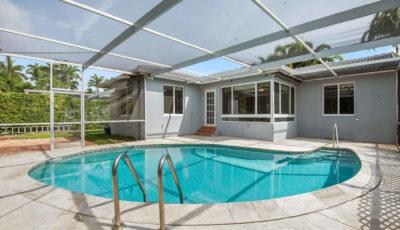 820 W 43rd Ct, Miami Beach, FL 3D Model