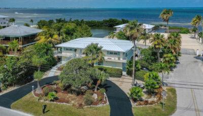 576 Sombrero Beach Rd, Marathon, FL 33050 3D Model